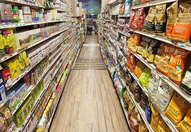 طراحی داخلی فروشگاه و سوپرمارکت از عوامل مهم جذب مشتری می باشد. اگر به دنبال خرید تجهیزات فروشگاهی با قیمت مناسب می گردید، تجهیزات فروشگاهی پرشین ...